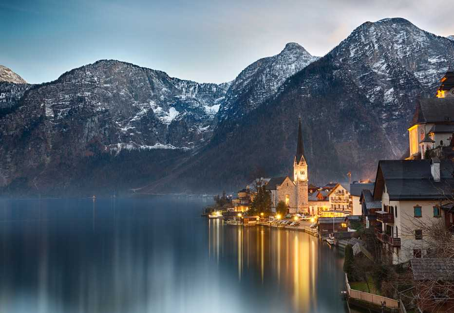 photodune-6908959-dusk-at-lake-hallstatt-salzkammergut-austrian-alps-s