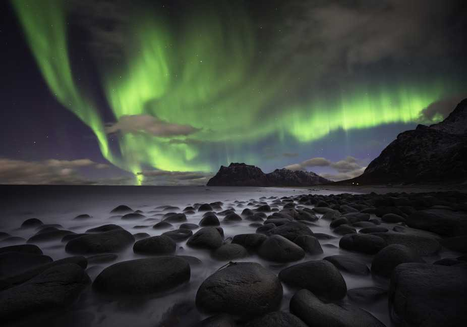 photodune-9496748-nothern-lights-ocer-lofoten-norway-s