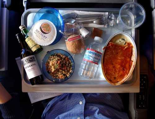 Airplane Meals: What Can You Expect?